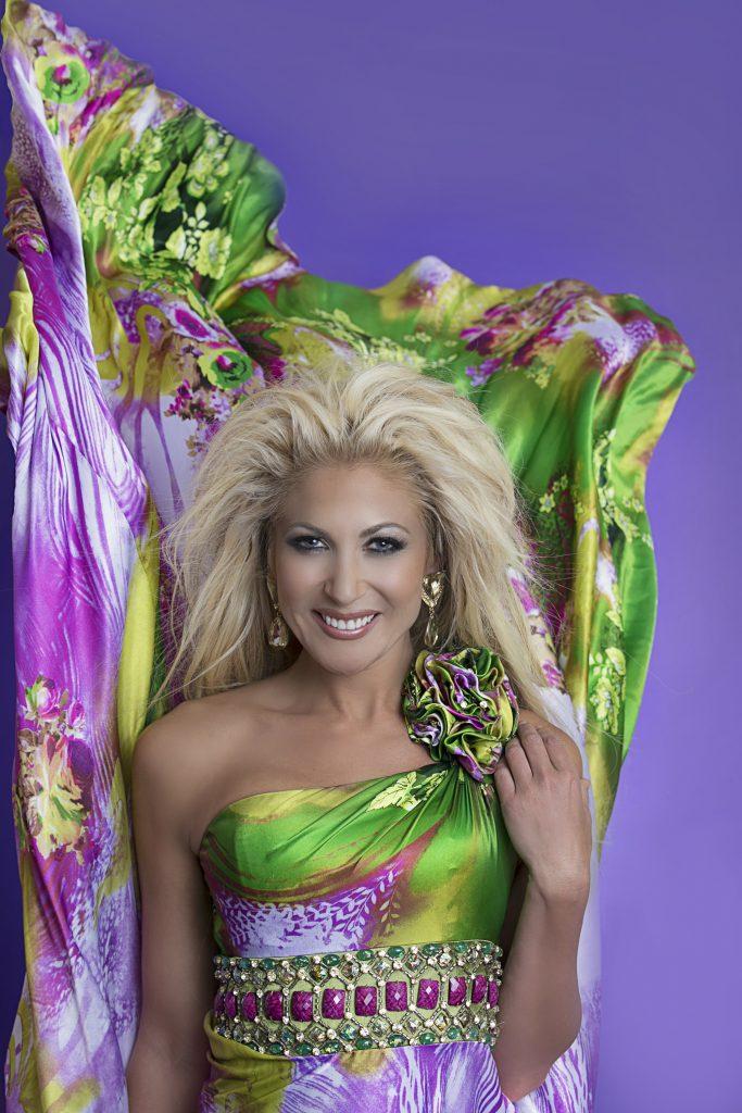 Lauren Daluca52